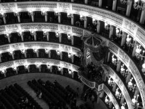 Il Teatro San Carlo non aderisce al Decreto Valore Cultura: soddisfazione dei lavoratori ma il CdA si dimette. Ora vigilanza del Mibact.