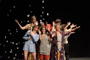 Sulla felicità di Sosta Palmizi. Sorriso, ironia e bellezza aprono la rassegna Il teatro che danza del Teatro di Roma.
