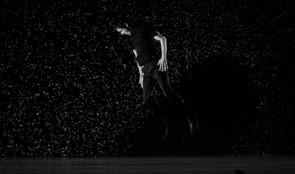 Pixel: la perfomance che mescola il mondo digitale con la danza