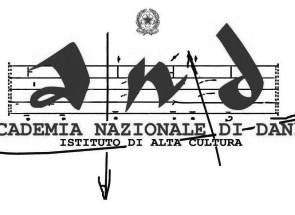 Resid'AND. L'Accademia Nazionale di Danza seleziona tramite call 12 coreografi di contemporaneo per lavorare con gli studenti dei Trienni per gli A.A. 2016-2017 e 2017-2018.