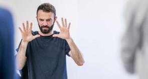 Alessandro Sciarroni, attore, performer, regista e coreografo per caso ma non a caso.