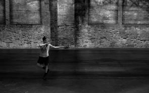 La danza di Annamaria Ajmone in residenza a Parigi per il programma Le promesses de l'art dell'Istituto italiano di cultura di Parigi