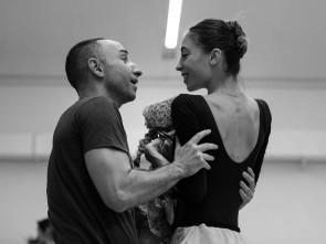 Lo schiaccianoci di Giuliano Peparini inaugura la stagione di balletto 2015 – 2016 del Teatro dell'Opera di Roma.