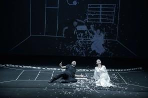 La Butterfly di Kinkaleri: un'apparente semplicità trasforma l'opera lirica in deliziosa performance per tutte le età.