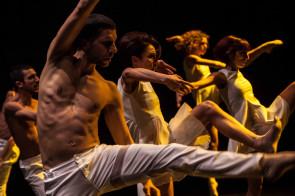 A Pisa la MM Contemporary Dance Company in Carmen Sweet di Emanuele Soavi e Bolero di Michele Merola