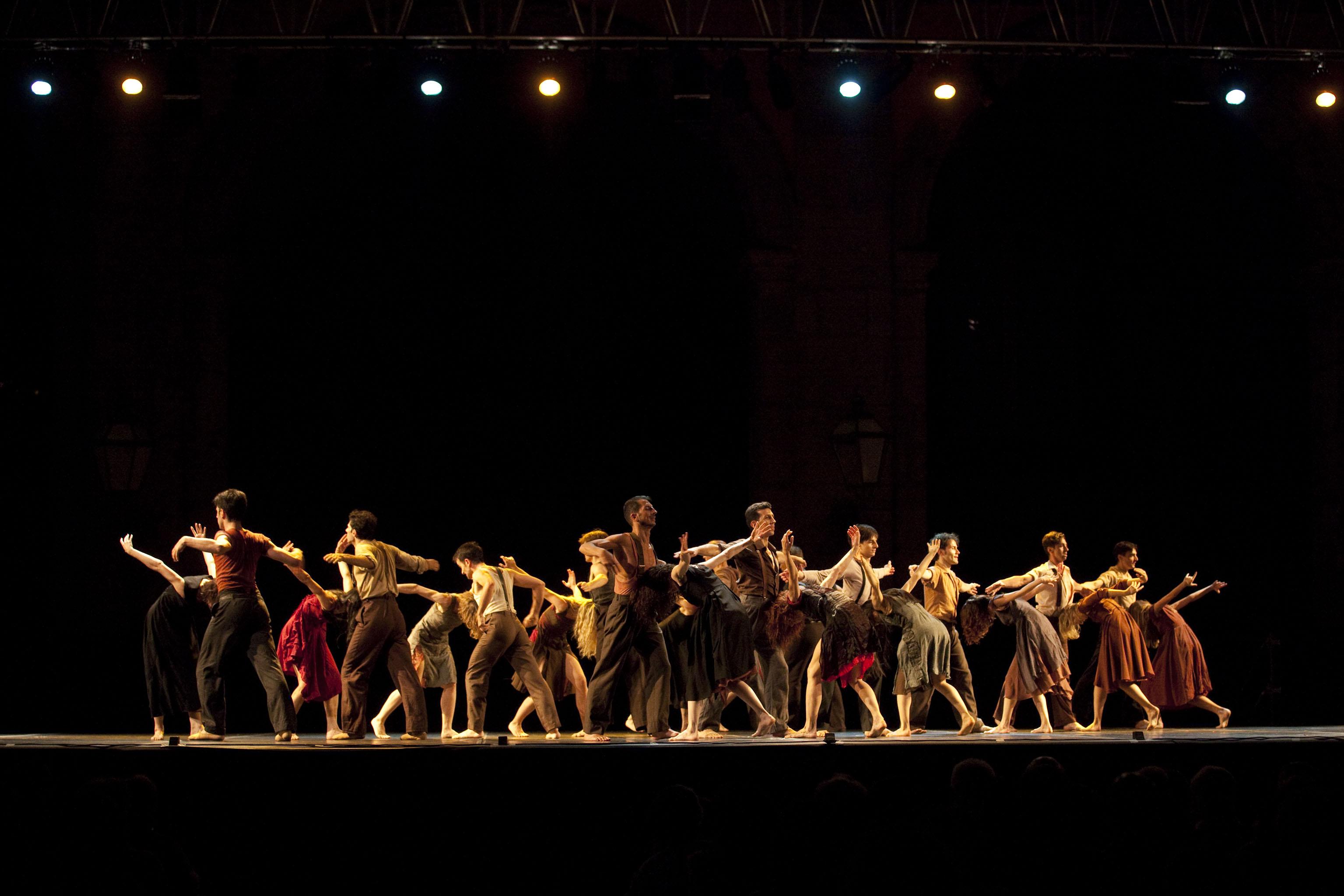 Risultati immagini per autunno danza 2017 san carlo