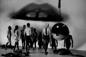 Estasi di Enzo Cosimi. Debutta al Teatro India di Roma l'ultima  e ipnotica creazione sul tema del desiderio.