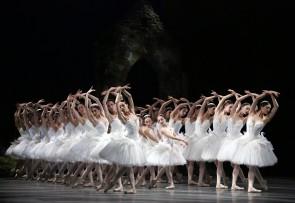 Il Corpo di ballo del Teatro La Scala di Milano contro la chiusura del ballo all'Arena di Verona