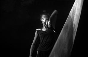 Neon Dance. Adrienne Hart, coreografa e direttrice artistica della compagnia inglese, racconta Empathy, innovativo spettacolo tra danza e raggi laser.