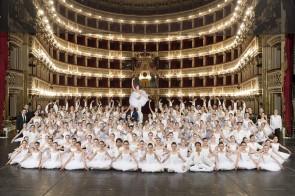 Scuola di Ballo del Teatro San Carlo di Napoli. Pubblicato il bando di ammissione per l'accesso ai Corsi anno scolastico 2017-2018.