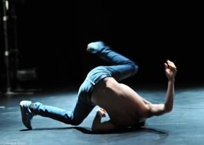 Joshua Monten cerca un danzatore per lavoro immediato a Berna (Svizzera).