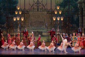Teatro dell'Opera di Roma. Audizione per ballerini e ballerini di fila per la stagione 2018-2019.