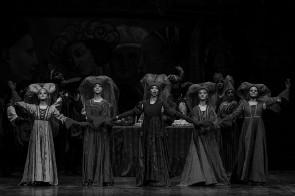Balletto del Sud applaudito a Roma in Romeo e Giulietta di Fredy Franzutti. La storia di un amore senza tempo.