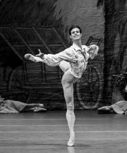 Davide Dato, primo ballerino dell'Opera di Vienna, a Roma per il gala Les Étoiles e per girare un film di Eitan Pitigliani