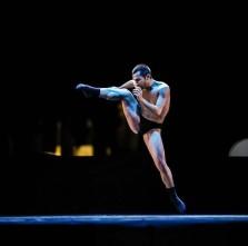 Francesco Bax, coreografo e danzatore, cerca nuove collaborazioni.