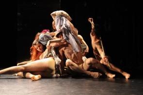 Hani Dance. Audizione per la creazione dello spettacolo di teatro danza Dem Menschen ein Wolf di Saeed Hani (Germania)