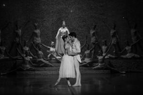 Cenerentola di Frédéric Olivieri alla Scala di Milano. In scena la Scuola di ballo e l'Orchestra dell'Accademia scaligera