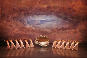 Teatro alla Scala. Audizione per ballerini e ballerine per Corpo di ballo per le stagioni 2016-2017 e 2017-2018.