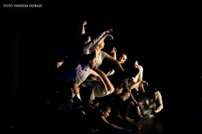 A Roma Mandala Dance Company & University di Chicago
