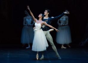 Trionfa Giselle in California con Roberto Bolle, Misty Copeland e il Corpo di Ballo del Teatro alla Scala.
