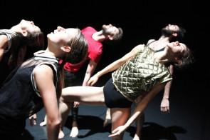 Simona Bertozzi - compagnia Nexus debutta a Bruxelles con And it burns, burns, burns