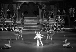 Il Corpo di Ballo del Teatro Bolshoi di Mosca ospite della Scala. In scena La bayadère di Yury Grigorovich e La bisbetica domata di Jean Christophe Maillot.