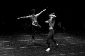Focus su Fabrizio Favale a MilanOltre: Ossidiana  e The Rain Sequence con la compagnia Le Supplici