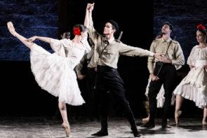 Il Balletto del Sud con Carmen di Fredy Franzutti in tour a Torino e in Veneto