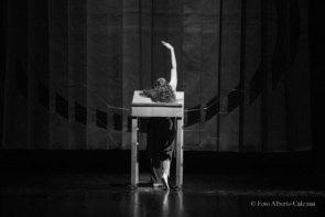 La Compagnia Xe con Erodiade – Fame di vento di Julie Ann Anzilotti per DAB Danza A Bari
