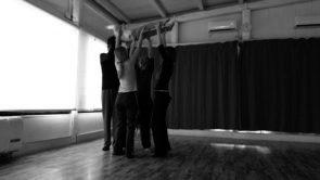 Giocare con il movimento tutti insieme, incontro genitori e bambini con la coreografa Rozenn Corbel.