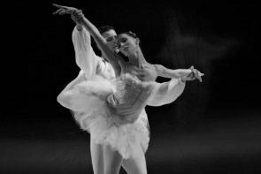 Il Balletto di Milano nel Lago dei cigni di Teet Kask a Varese, Milano, Lugano e Genova