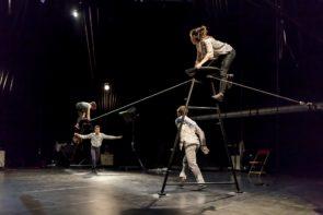 La compagnia L'Oublié(e) in 5emes Hurlants di Raphaëlle Boitel a Torino per Palcoscenico Danza