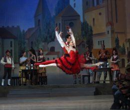 Il Balletto Nazionale dell'Opera Sofia in tour con Don Chisciotte e il Lago dei cigni.