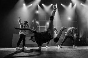 Break The Tango. In tour lo show di German Cornejo che mixatango acrobatic e break dance