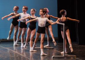 Al Teatro Nazionale di Roma, applausi per gli allievi della Scuola di Danza del Teatro dell'Opera di Roma diretta da Laura Comi