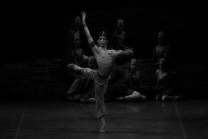 Le Corsaire di Anna-Marie Holmes al Teatro alla Scala. Quando il balletto è un kolossal di successo