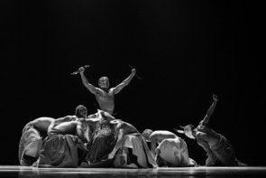 Théorie des prodiges di Système Castafiore e Les nuits barbares di Hervé Koubi: la Francia a Equilibrio Festival 2018