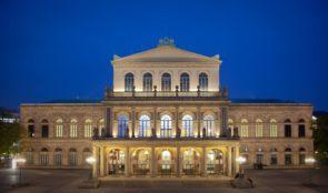 Audizione per danzatori e danzatrici per Think Big, programma di residenza artisti del Balletto della StaatsOper di Hannover e International Festival TANZtheater (Germania)