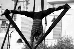 La Compagnia Joujoux Folies in Alice è nei guai di Valeria Chiara Puppo e Simone Tositori al Festival Danza Estate