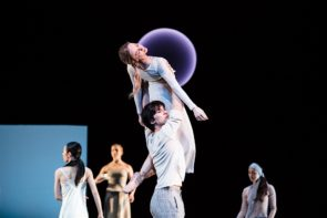 L' Hamburg Ballet in Old Friends di John Neumeier al Festival di Spoleto