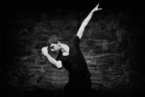 Matita e fumo… di volta in volta una canzone. A Verbania  alcuni protagonisti del Tanztheater Wuppertal Pina Bausch e della compagnia Sasha Waltz & Guests