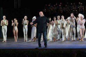 Micha Van Hoecke tra Pink Floyd e Carmina Burana con il Teatro Massimo di Palermo.