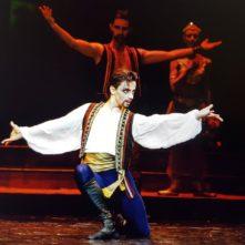 Artem Zhusov, ballerino, coreografo ed insegnante, cerca nuove collaborazioni