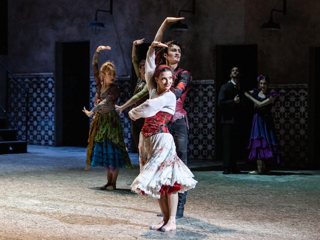 Incontri ballerini di balletto maschili