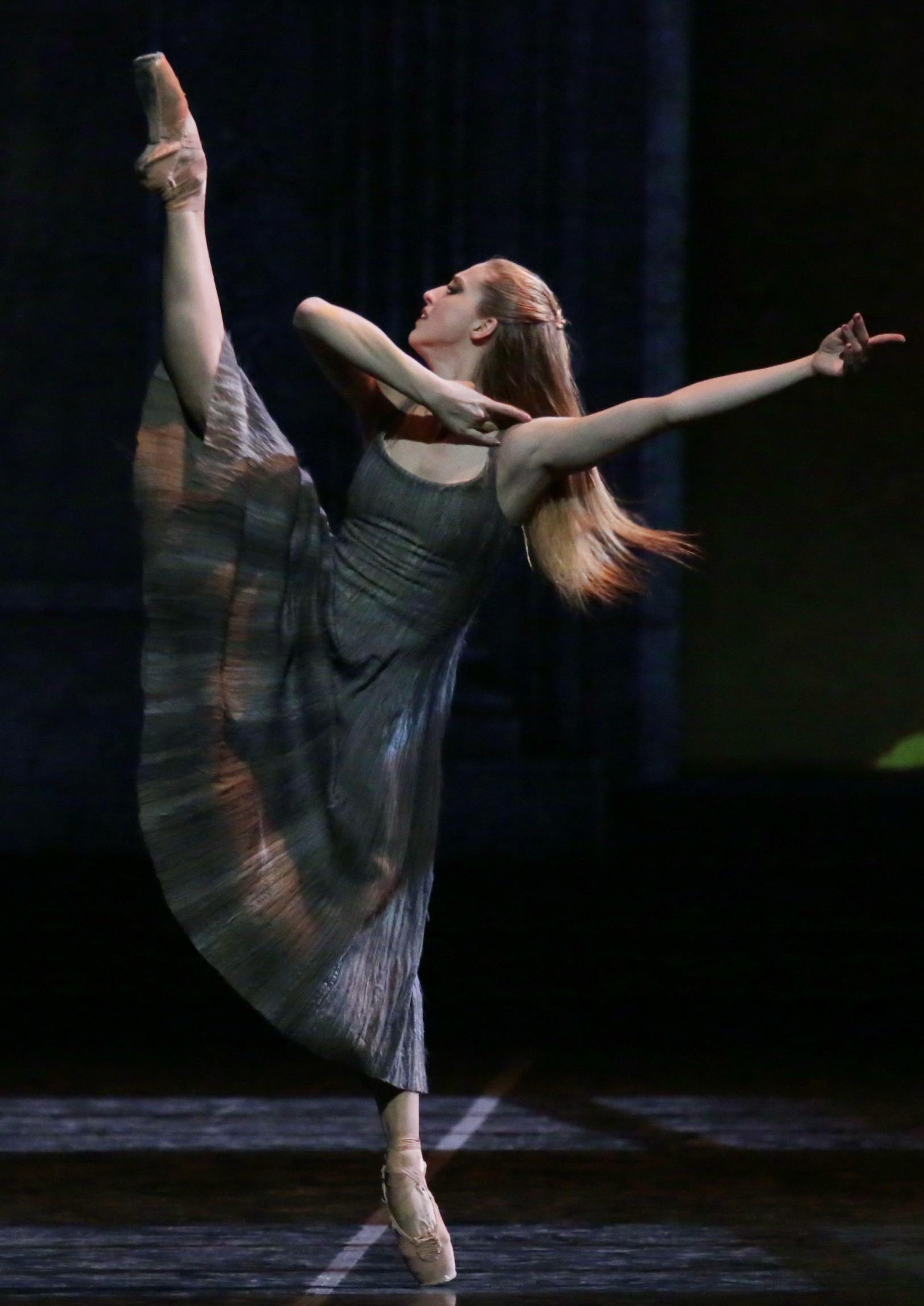 Roma City Ballet Company In Cenerentola Di Luciano Cannito