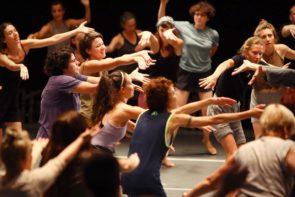 GAGA/people Classgratuita con Idan Porges, DirettoreBatsheva - the Young Ensemble, al Florence Dance Festival