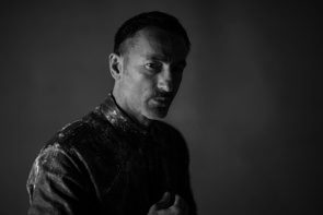 Dimitris Papaioannou con la performance Sisyphus / Trans / Form alla Collezione Maramotti per il Festival Aperto