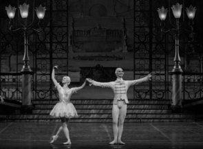 La bella addormentata di Jean-Guillaume Bart con Marianela Nuñez e Vladislav Lantratov. Il Teatro digitale del Teatro dell'Opera di Roma
