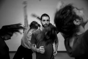 La Compagnia Atacama debutta al Teatro Vascello con La danza della realtà di Patrizia Cavola e Ivan Truol