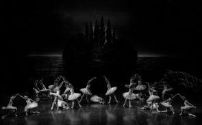 Teatro dell'Opera di Roma. Aperte le selezioni per ballerini e ballerine di fila per la stagione 2021/2022